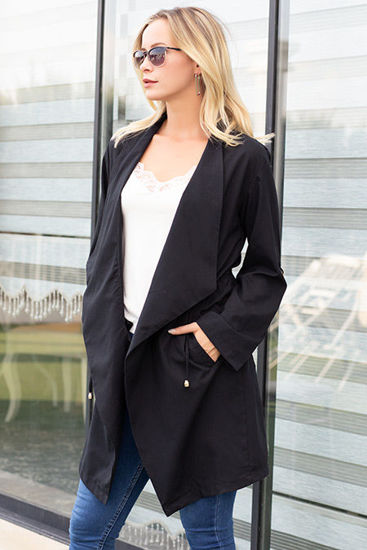 Picture of handkerchief collar trench
