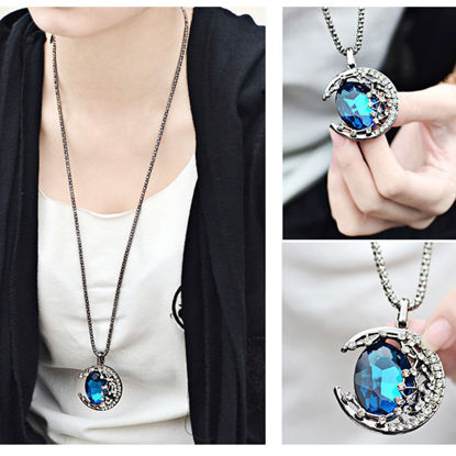 Picture of Women's Sweater Chain Vintage Fashion Long Design Necklace - Size: One Size